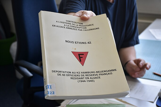 Photo of a French book about the deportation of 42 reserve officers from Alsace